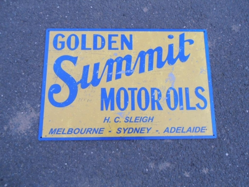 Golden Summit Motor Oils