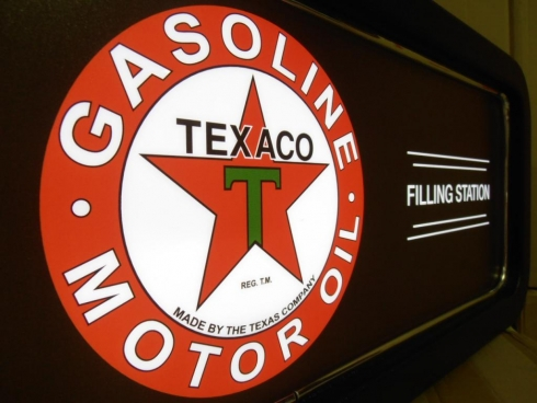 Texaco Petrolium Company Feature Light Box